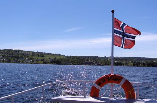 Østre Toten har svært variert natur og landskap, som strekker seg fra Mjøsa via bygda til Totenåsen på 700-800 meter over havet.