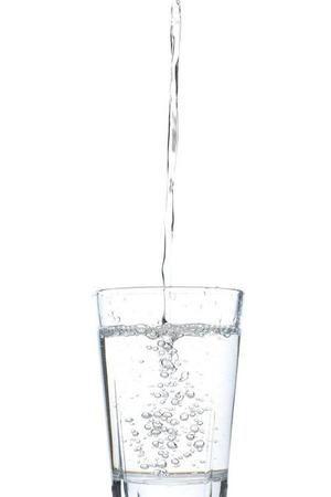 bilde av vannglass_600x900[1]_300x450