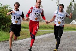Idrettsglede ved Espen, Andreas og Jonas i Skogbygda Rundt 2011 (foto: Olav Engen).