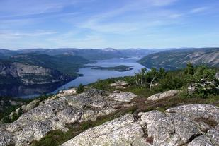 Det er vakkert terreng som møter 128 påmeldte løpere på ultradistansene i Telemarks Tøffaste (Arrangørfoto).
