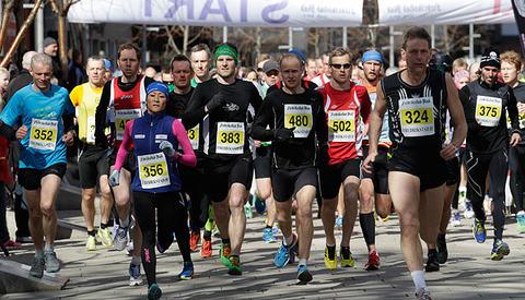 Starten på halvmaraton i 2013. Foto:Per Inge Oestmoen