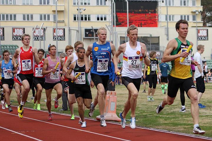 1.etappe menn elite iHolmenkollstafetten 2013.  Foto: Runar Gilberg
