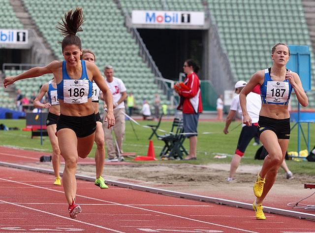 800m_damerA_finish_A20G2989.jpg