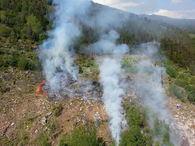 Overflyging med helikopter skogbrannen på Leikanger 2 juni
