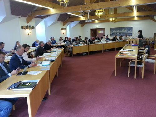 Kommunestyresalen  - møte