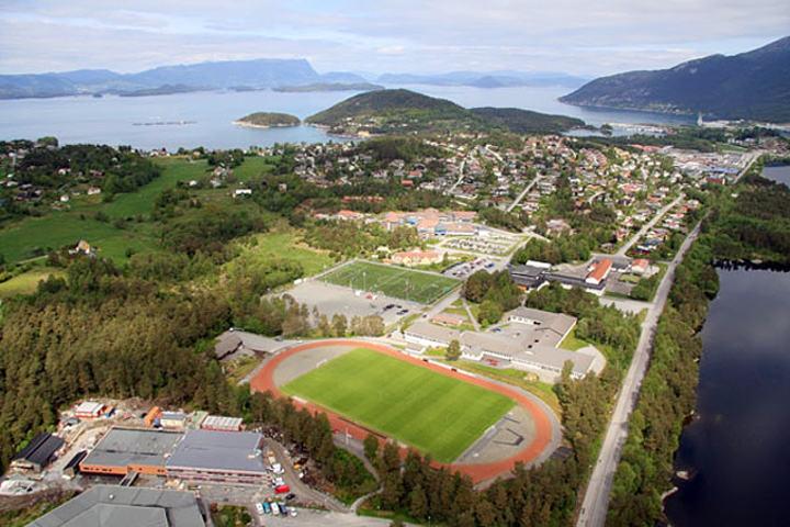 Husnes_Idrettspark_IMG_5153[1]