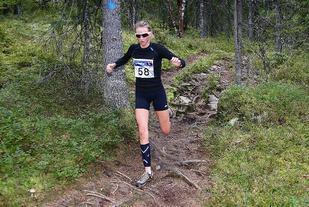 Sofie Nordsveen Hustad løp sterkt og satte ny løyperekord i Dragsjøen Rundt 2014. Et halvt år senere ble hun juniorverdensmester i langrenn (foto: Bjørn Hytjanstorp).