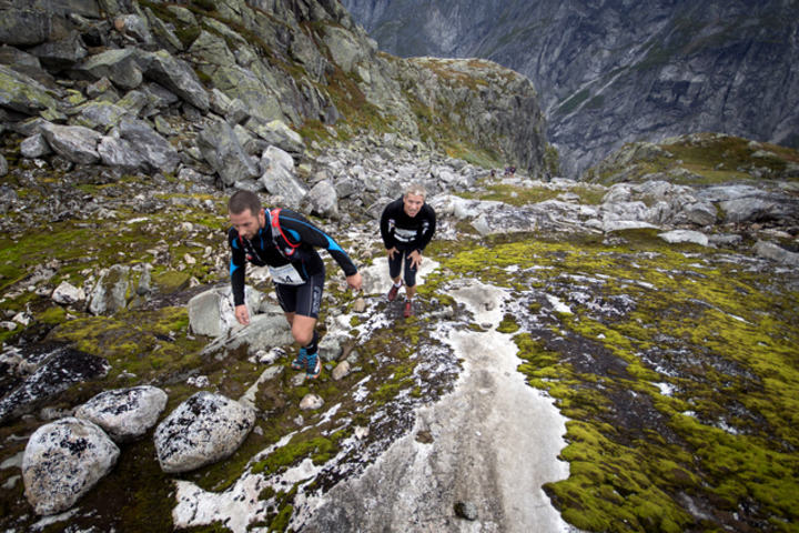 The steep climb up the sima valley foto kai otto melau xtremeidfjord