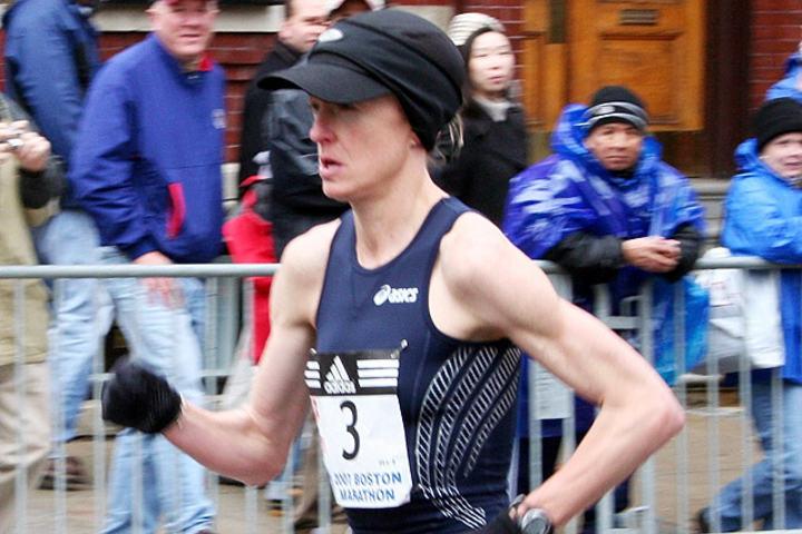 Deena_Kastor_at_the_2007_Boston_Marathon_foto_Wikipedia_640