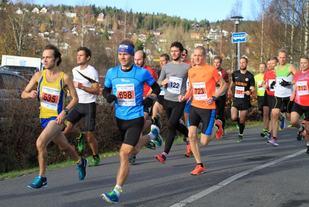 Fra starten på halvmaratonløpet 2014 (foto: Olav Engen)