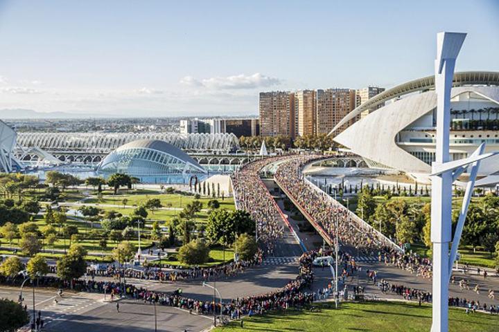 Valencia_Marathon_start_640