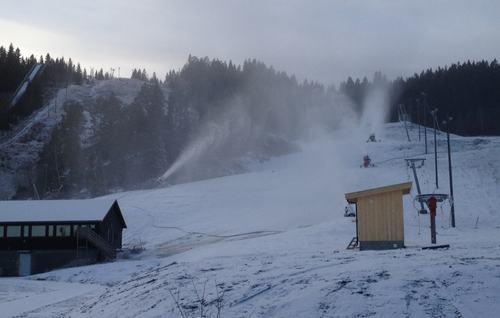 Snøproduksjon i ny alpinbakke for barn 17122014