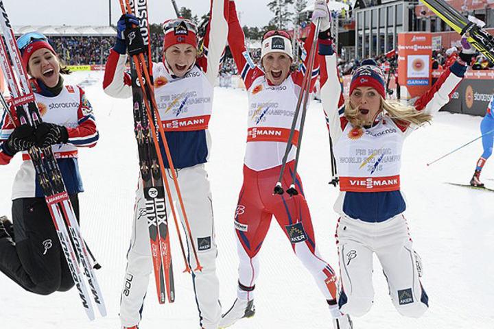 Stafettgull_kvinner_de_norske_jentene_toppbilde