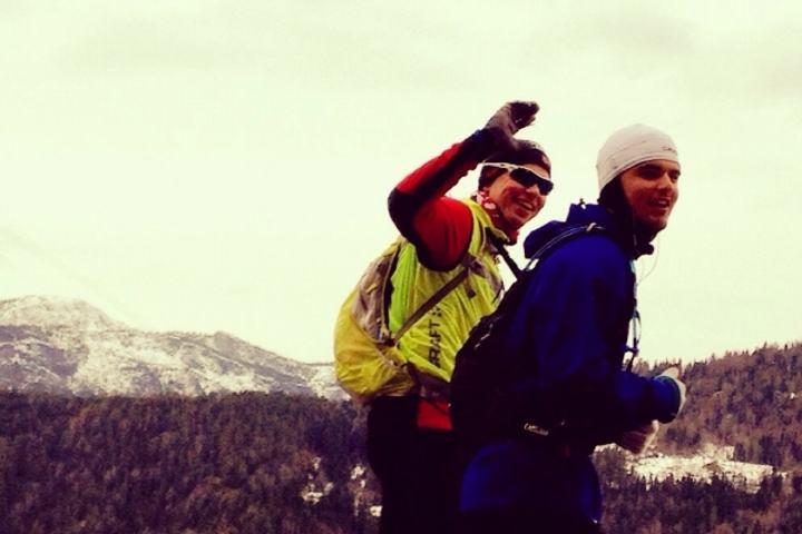 Mathias og John Henrik etter en del timers løping og fortsatt ved godt mot.