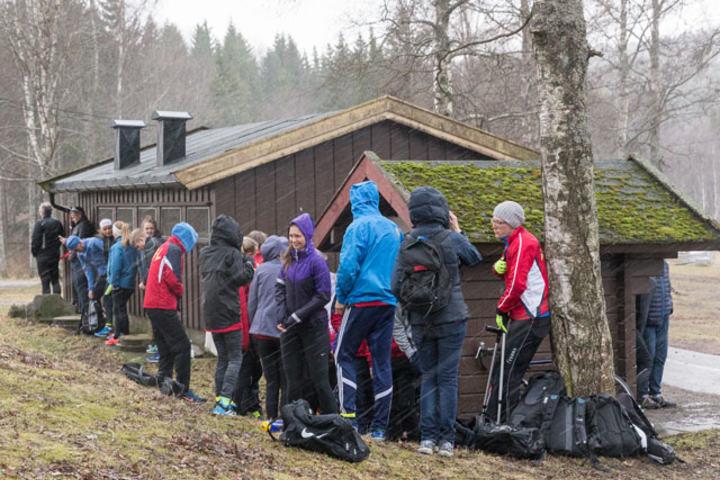 Hagl og isende vind var tilstanden 15 minutter før start i SRM på onsdagen. Foto: Jørgen Lindalen