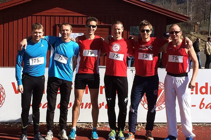 Veldres veteranlag bestod av (fra venstre): Knut Grønvold, Svein Åge Brekke, Arild Dahl, Henning Mortensen, Rune Thomassen og Mirek Baran. (Arrangørfoto)