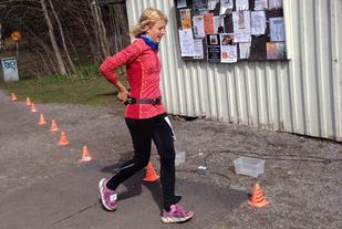 Linda Bengtsson runder målområdet (foto: Jan-Erik Ramström).