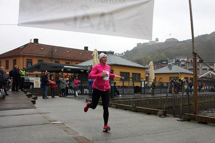 Astrid Jantina Kolstad vinner Monolittløpet. Foto: Arrangør Idd Sportsklubb