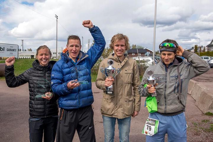 Marte Pedersen og Henning Pedersen vant 50 km, her sammen med nummer 2 og 3 i herreklassen (foto:Kai-Otto Melau).