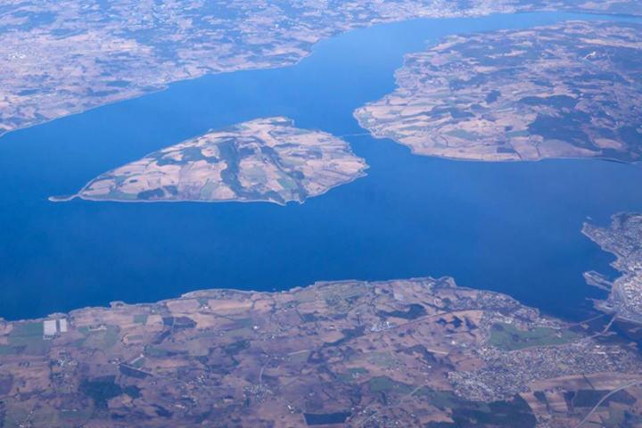 Helgøya og Mjøsa sett fra oven. (Arrangørfoto)