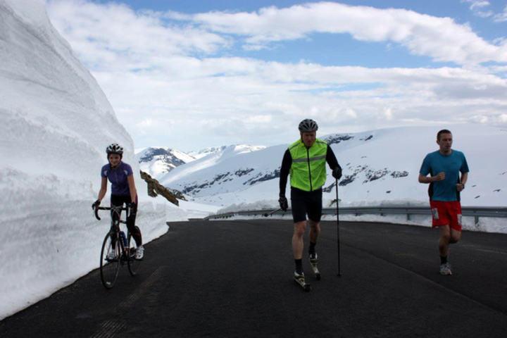 Sykkel, ski og løp. Foto: Terje Drege Rusten