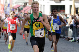 Sterk 1500 m-løping av Sigurd Blom Breivik i England. Her ser vi han under Sentrumssprinten i fjor. (Foto: Per Inge Østmoen)
