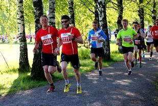 Martin Johnsrud Sundby var den største kjendisen i feltet, her med nr 1111 (foto: Bjørn Hytjanstorp)