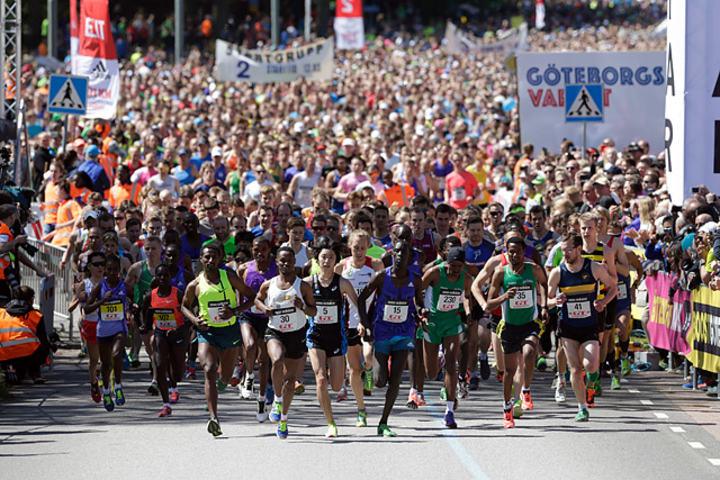 46 989 passerte startstreken i lørdagens Göteborgsvarv. De startet i 31 puljer og det tok tre timer å sende alle avgårde. Foto: Per Inge Ostmoen