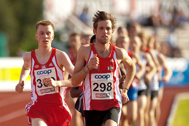 Sondre Nordstad Moen og Sindre Buraas er godt i gang med banesesongen. (Arkivfoto: Helge Langen, Team Biathlon)