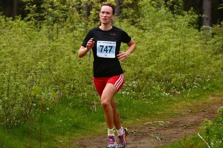 Solfrid løper inn til samme løpet i 2015 (foto: Bjørn Hytjanstorp).