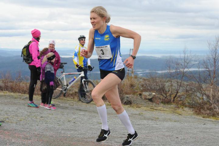 Anne Nevin, Strindheim vant årets Forbordsfjellet Opp.  Foto: Arne Brunes