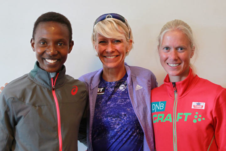 Nordisk landskamp: Det er lagt inn en landskamp i Stockholm Marathon. Her er tre av favorittene: Isabellah Andersson, Sverige; Anne-Mari Hyryläinen, Finland og Marthe Katrine Myhre, Norge. (Foto; Kjell VIgestad)