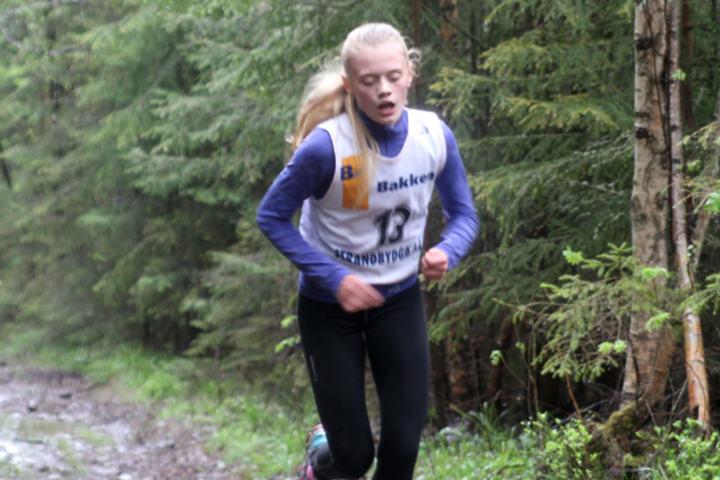 Mathilde Hauge Harviken vant vårens motbakketest med et minutt på neste jente. (Foto: Teis Grøtting)