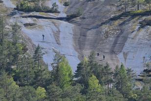 De beryktede Svåune i Skuggenatten, svaberg med opptil 20% helning (arrangørfoto 2015).