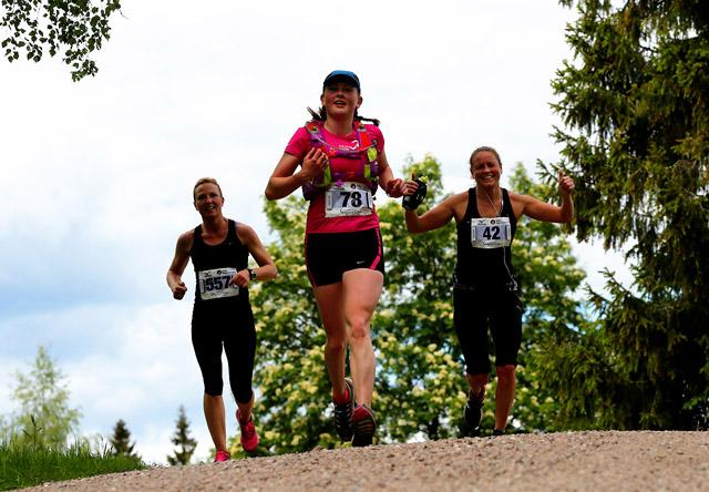 Nordmarka-Skogsmaraton2015-Stine-Wasenius_Molly-Bazilchuk_Anett-Warnstrpm_640.jpg