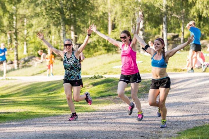 Søstrene Sverdrup-Thygeson:  Lise, Mari og Unni viser ekte idrettsglede!