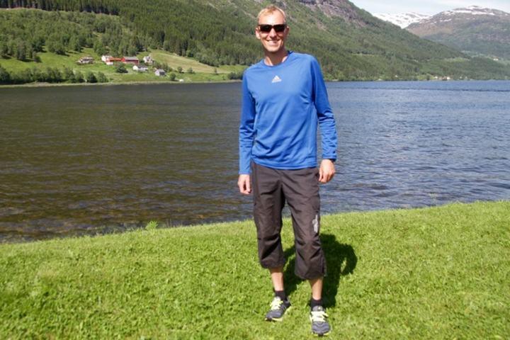 Sverre Gunnar Brunstad fra Velledalen i Sykkylven sprang jevne kilometer på 3.50 og vant med det maratondistansen