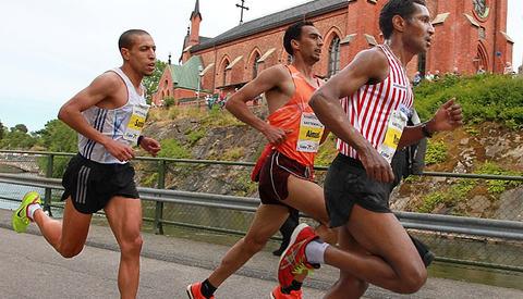Afrikanske løpere: De sju første i mål i herreklassen hadde alle bakgrunn fra afrikanske land. Slik har det vært i 29 av de 30 gangen Kraftprovet har blitt arrangert med unntak av de to første årene hvor en amerikaner som vant første gangen i 1986 og Jarl Gaute Aase fra Egersund det andre året.