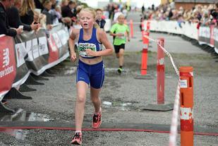 Vilde Fredriksen, en av mange ungdommer og barn som er med familien på løpseventyr på Bornholm
