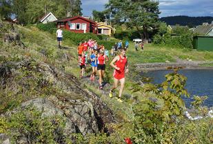 Løping på Lindøya. Foto: Frode Klevstul