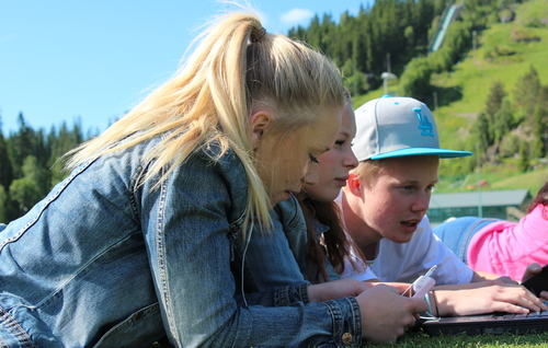 Unge ved Marikollen