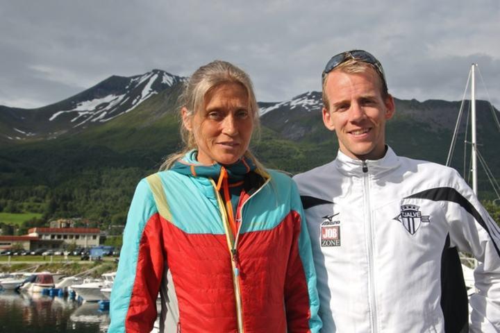 Anita Håkenstad Evertsen og Erling Hisdal vant motbakkeløpet Saudehornet Rett Opp i Ørsta på Sunnmøre. Foto: Martin Hauge-Nilsen