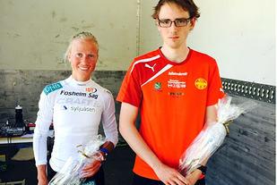 10 km-vinnerne Marthe Katrine Myhre, SK Vidar og Fredrik Sætran, BUL Tromsø. (Foto: Odd Erling Børstad)