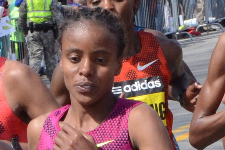 Mare Dibaba var den første etiopiske kvinna som har vunnet gull på maraton i VM. (Foto: Wikipedia)