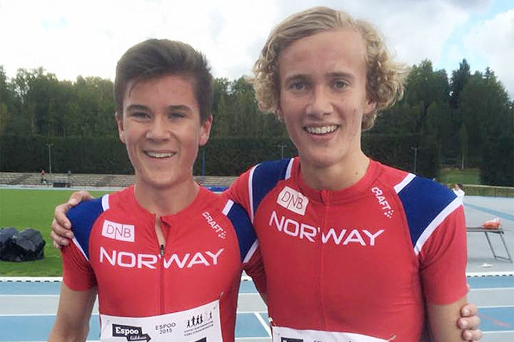 Jakob Ingebrigtsen (til venstre) og Henrik Irgens Gravdal bidrog med sin andre- og tredjeplass på 1500 m til norsk seier i landskampen. (Foto: Finn Kollstad)