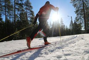 Vuokatti er et riktig vintersportssted med velpreparerte spor. (Foto: arrangøren)