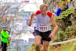 Thorbjørn Ludvigsen (bildet) kuttet åtte sekunder av sin gamle løyperekord og tok en suveren seier på 7:58 i Stoltzekleiven opp. Foto: Jørgen Pettersen