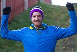 Eivind Jensen jublet for seier for andre gang på rad i Trøndersk Vinterkarusell. (Arrangørfoto)