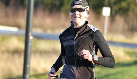 Louise Skak lå i tet under hele maratonløpet, her etter den første av fire runder (foto: Olav Engen).