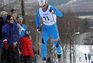 Kristen Skjeldal har vunnet 5-mila i NM hele 6 ganger. Her fra NM i Fauske i 2012 hvor det ble 8. plass på veteranen fra Voss. (Foto: Arne Brunes)